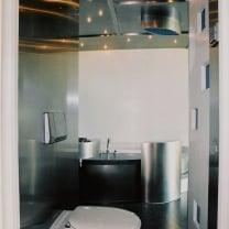 Badkamer Zandvoort  -  Veel Rvs details / Granito vloer